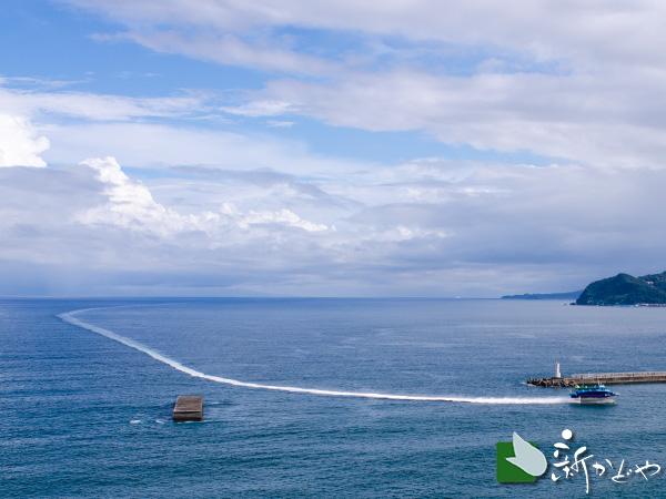 熱海大島航路のジェット船