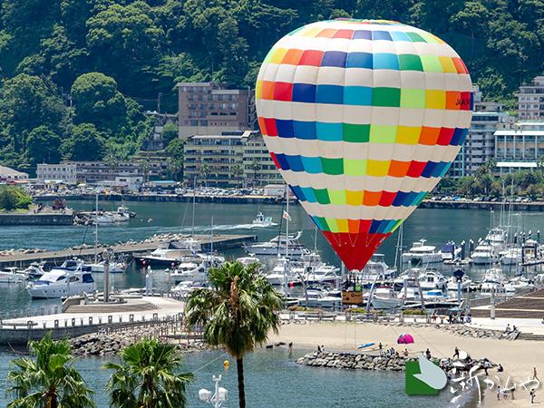 熱海サンビーチで熱気球体験!